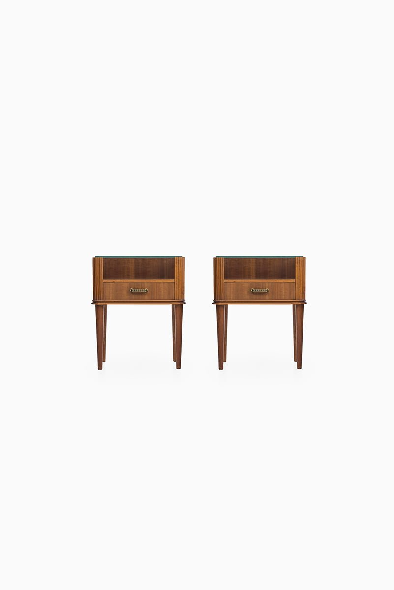 Bedside tables in mahogany and brass at Studio Schalling