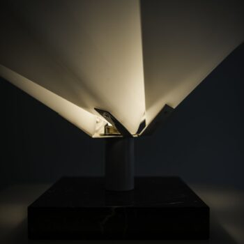 Italian table lamp in marble and white plastic at Studio Schalling