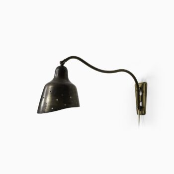 Wall lamp in brass in the manner of Vilhelm Lauritzen at Studio Schalling