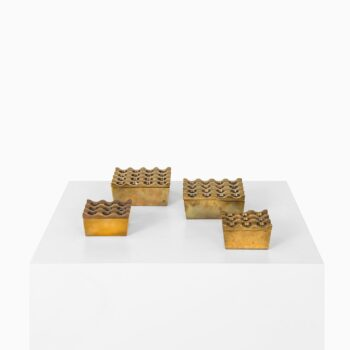 Beck & Jung ashtrays in brass at Studio Schalling