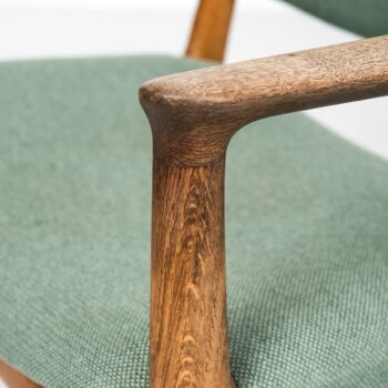 Dining chairs model JH-525 by Hans Wegner at Studio Schalling