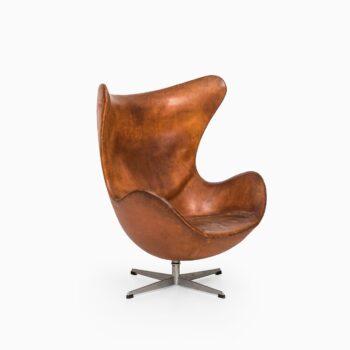 Arne Jacobsen egg easy chair by Fritz Hansen at Studio Schalling