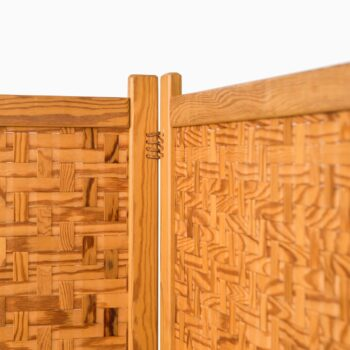 Room divider in oregon pine by Alberts in Tibro at Studio Schalling