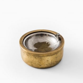 Ashtray in brass by Alfred Raffel at Studio Schalling
