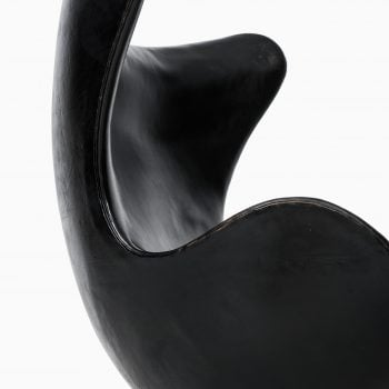 Arne Jacobsen egg chair model 3316 at Studio Schalling