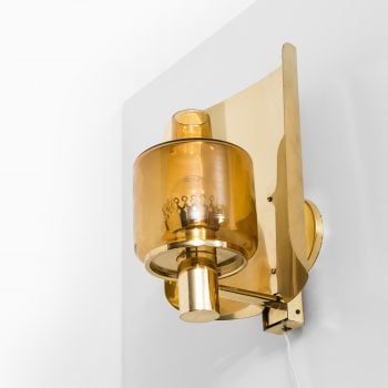 Hans-Agne Jakobsson wall lamp model V-222 at Studio Schalling