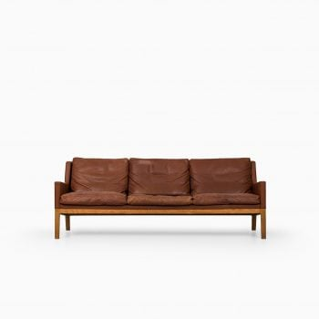Kai Lyngfeldt Larsen sofa by Søren Willadsen at Studio Schalling
