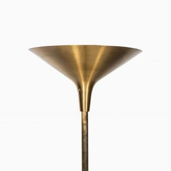 Floor lamp / uplight in brass at Studio Schalling