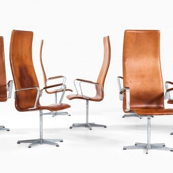 Arne Jacobsen Oxford chairs by Fritz Hansen at Studio Schalling