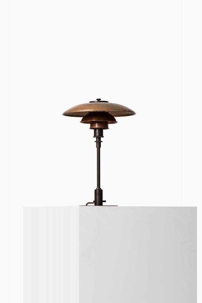 Poul Henningsen table lamp model PH-3/2 at Studio Schalling