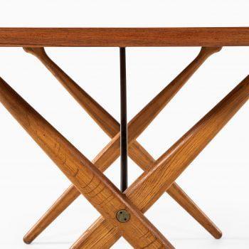 Hans Wegner AT-303 dining table in teak at Studio Schalling