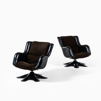 Yrjö Kukkapuro easy chairs model 418 at Studio Schalling