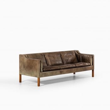 Børge Mogensen sofa model 2213 in leather at Studio Schalling