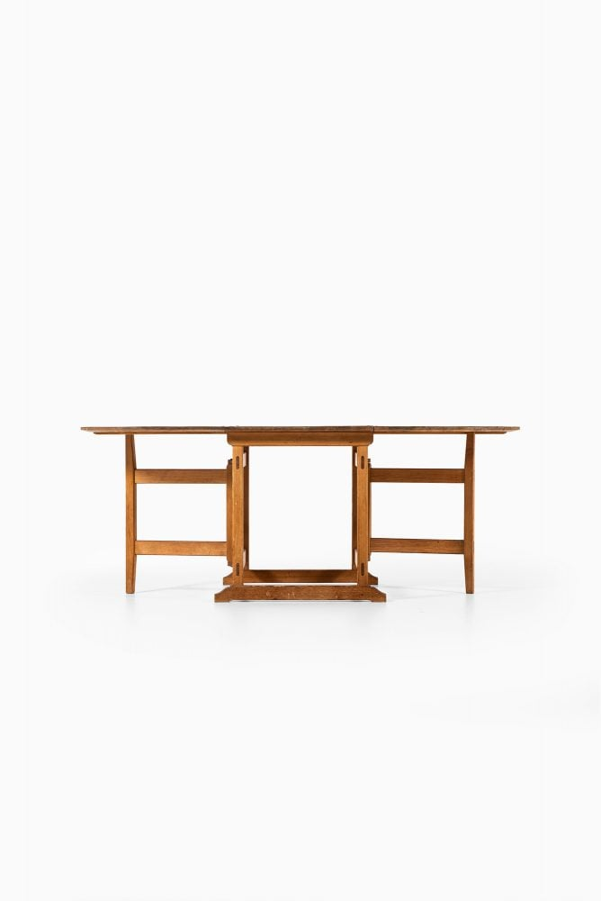 Gateleg table in pine at Studio Schalling