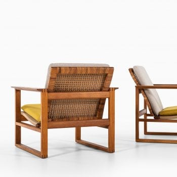 Børge Mogensen sled easy chairs in oak at Studio Schalling