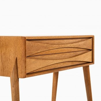 Rimbert Sandholt side table in oak at Studio Schalling