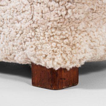 Fritz Hansen easy chair model 1672 in sheepskin at Studio Schalling