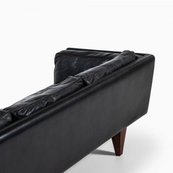 Illum Wikkelsø V11 sofa in black leather at Studio Schalling