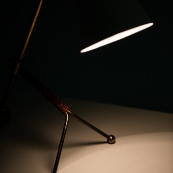 Tapio Wirkkala table lamp model KD-11 at Studio Schalling