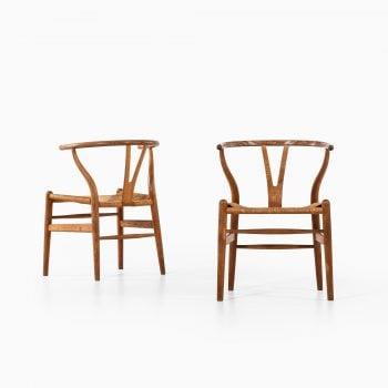 Hans Wegner wishbone / CH-24 dining chairs at Studio Schalling