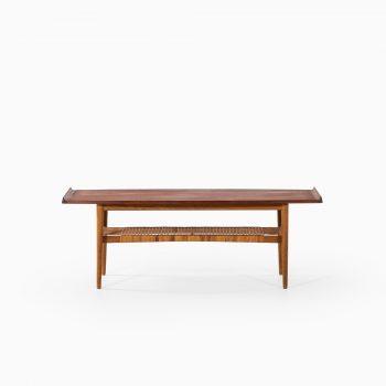 Mid century coffee table in teak and oak at Studio Schalling