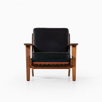 Hans Wegner GE-290 easy chair by Getama at Studio Schalling
