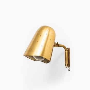 Wall lamps in brass at Studio Schalling