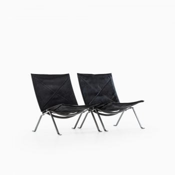 Poul Kjærholm PK-22 easy chairs by EKC at Studio Schalling