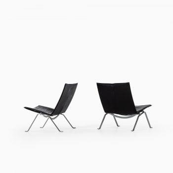 Poul Kjærholm PK-22 easy chairs by EKC at Studio Schalling