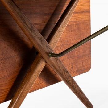 Hans Wegner dining table model AT-309 at Studio Schalling
