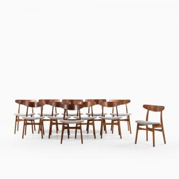 Hans Wegner CH-30 dining chairs in oak at Studio Schalling
