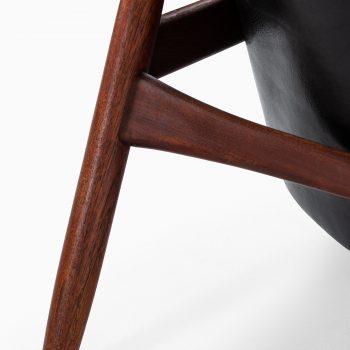 Ib Kofod-Larsen easy chairs model Seal at Studio Schalling