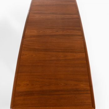 Povl Dinesen dining table model PD 700 at Studio Schalling