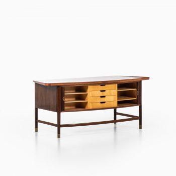 Freestanding desk in rosewood and brass at Studio Schalling