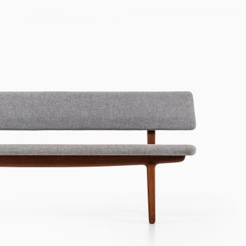 Aksel Bender Madsen & Ejnar Larsen sofa at Studio Schalling
