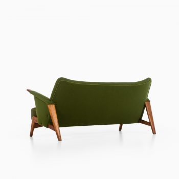 Arne Hovmand-Olsen sofa model 480 in oak at Studio Schalling