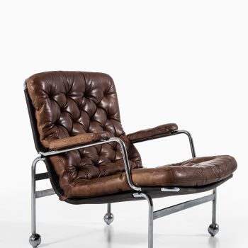 Bruno Mathsson Karin easy chairs in leather at Studio Schalling