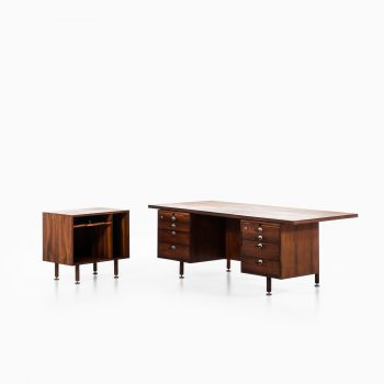 Jens Risom desk in rosewood by Gutenberghus at Studio Schalling