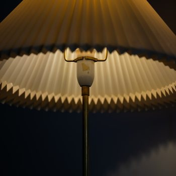 Svend Aage Holm Sørensen floor lamp in brass at Studio Schalling