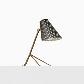 Table lamp in brass and black lacquered metal at Studio Schalling