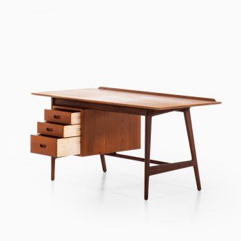 Arne Vodder freestanding desk in teak at Studio Schalling