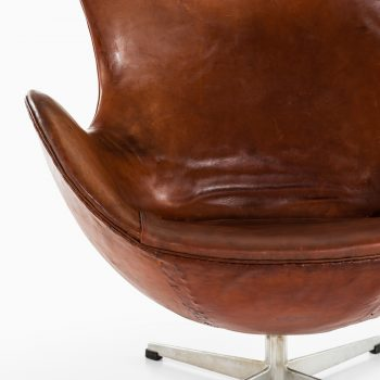 Arne Jacobsen 1st edition egg in cognac leather at Studio Schalling
