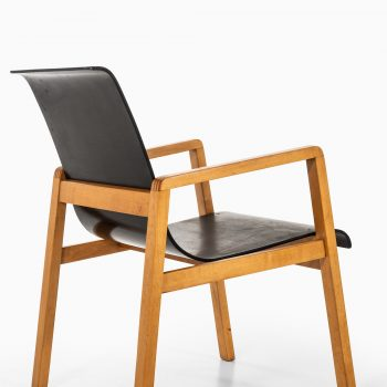 Alvar Aalto armchairs model 403 by Artek at Studio Schalling