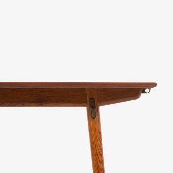 Hans Wegner dining table model JH-570 at Studio Schalling