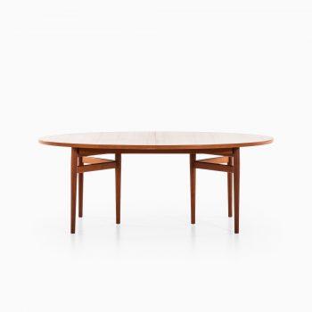 Arne Vodder dining table model 212 in teak at Studio Schalling