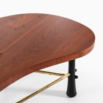 Kidney shaped coffee table in mahogany at Studio Schalling