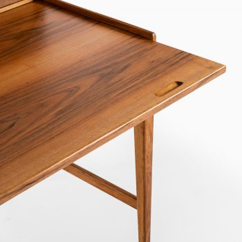 Freestanding desk in walnut at Studio Schalling