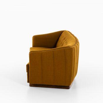 Ole Wanscher sofa variation of model 1668 by Fritz Hansen at Studio Schalling