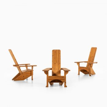 Easy chairs in pine in the style of Mario Ceroli at Studio Schalling