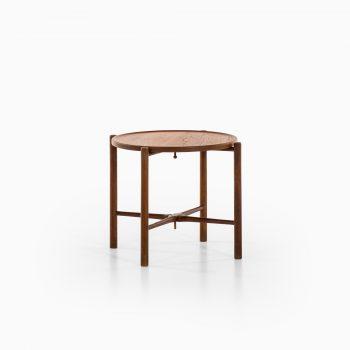 Hans Wegner side / tray table AT-35 by Andreas Tuck at Studio Schalling